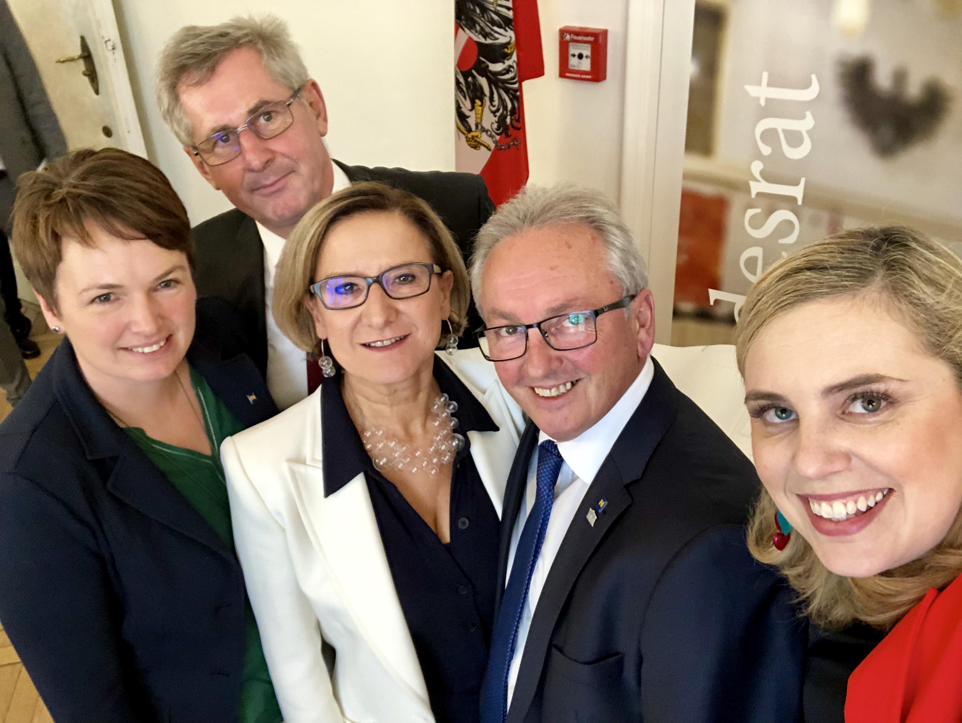 Selife im Bundesrat mit LH Mikl-Leitner