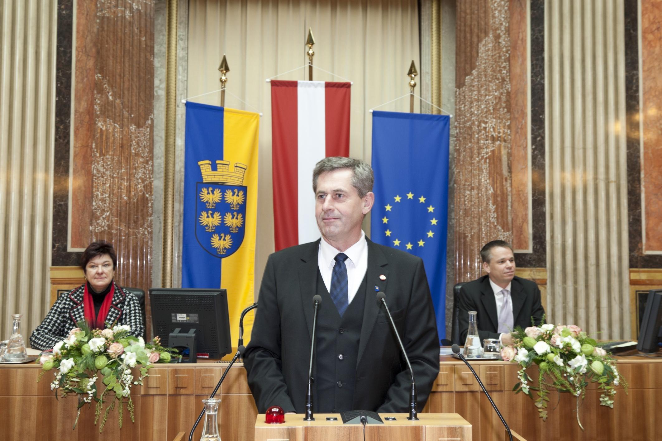 Martin Preineder - Präsident des Bundesrates am Rednerpult